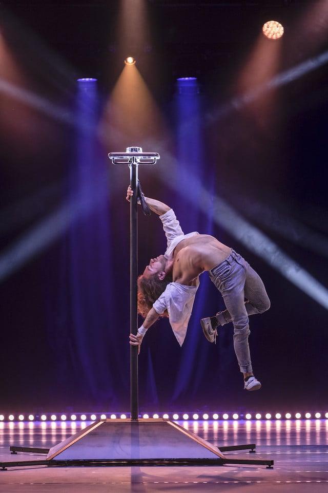 Ihor Yakimenko, Germany/Ukraine. Handstand/Pole