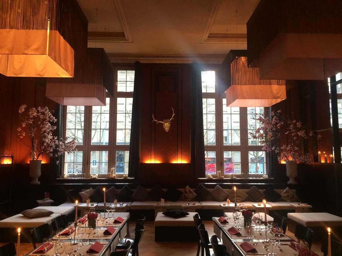 Lounge Les Garecons Basel