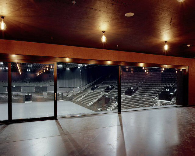 2800m2 grosse Halle, VIP Bereich, Arena