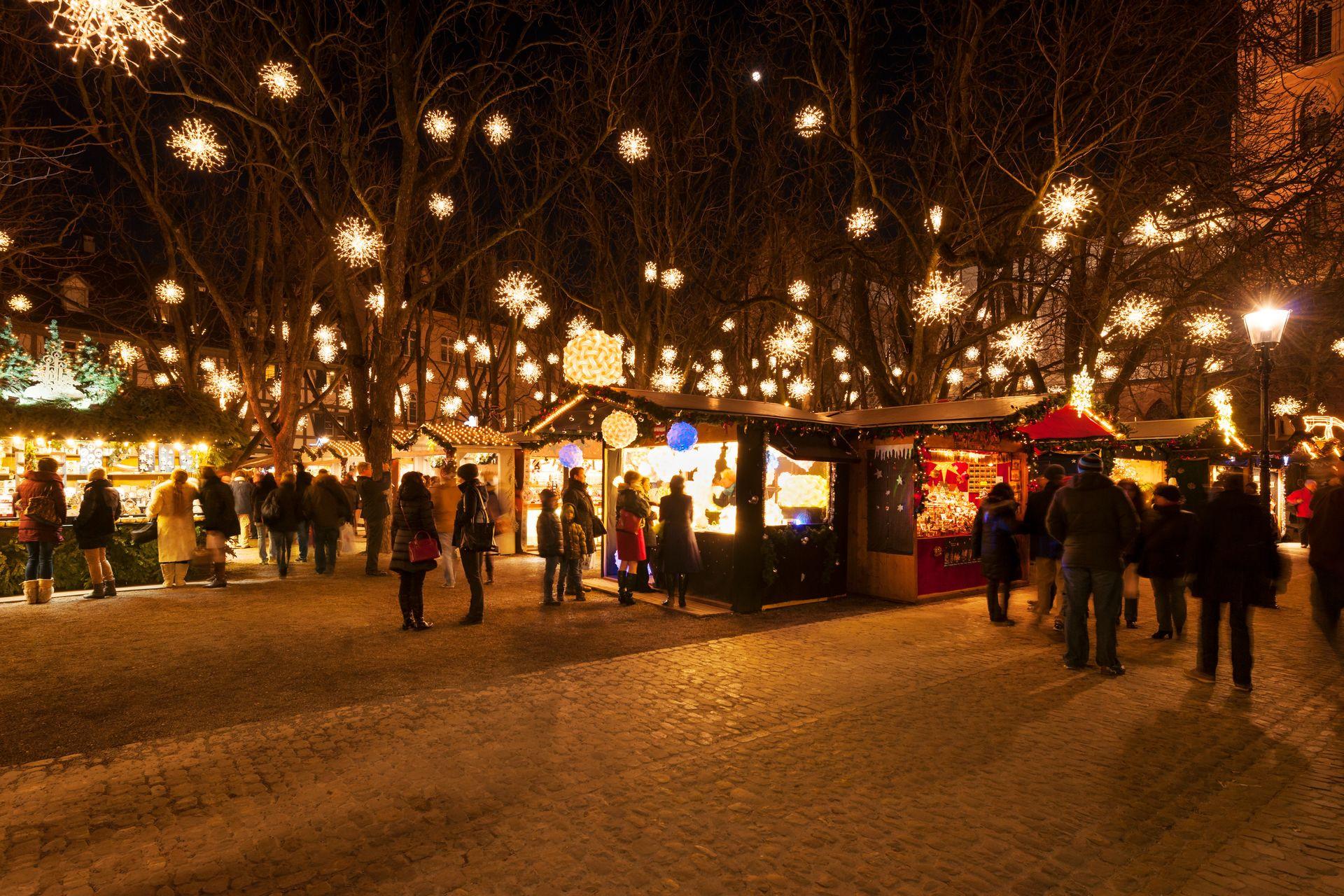 Weihnachtsmarkt Münsterplatz Basel