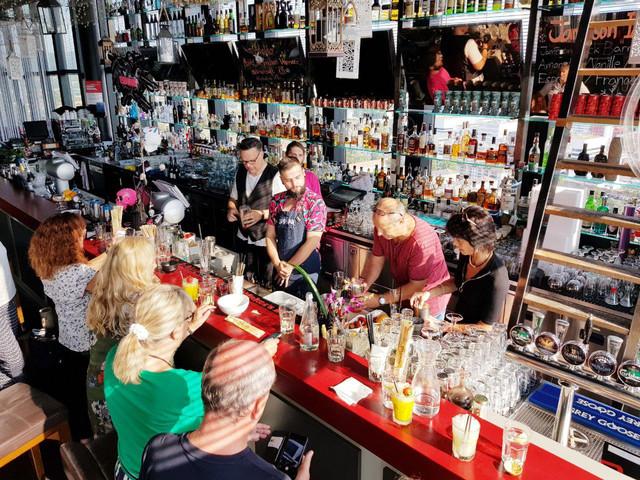 Cocktailworkshop in der Bar Rouge