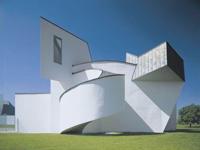 Das Vitra Design Museum in Weil am Rhein, 1989 entworfen vom Architekten Frank Gehry.