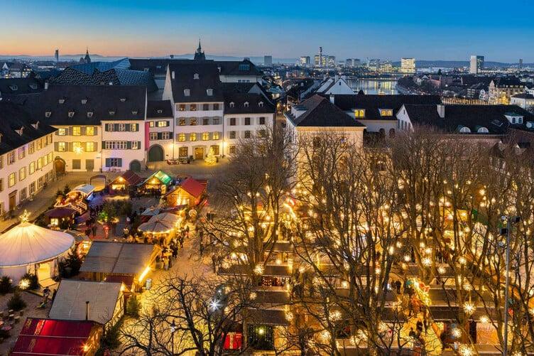 Der Weihnachtsmarkt auf dem Münsterplatz. Hier existiert eine bessere Version!