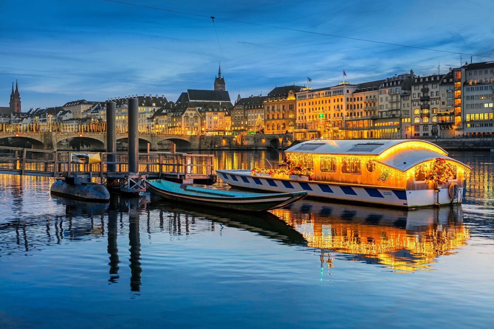 Weihnachtsfähre Basel