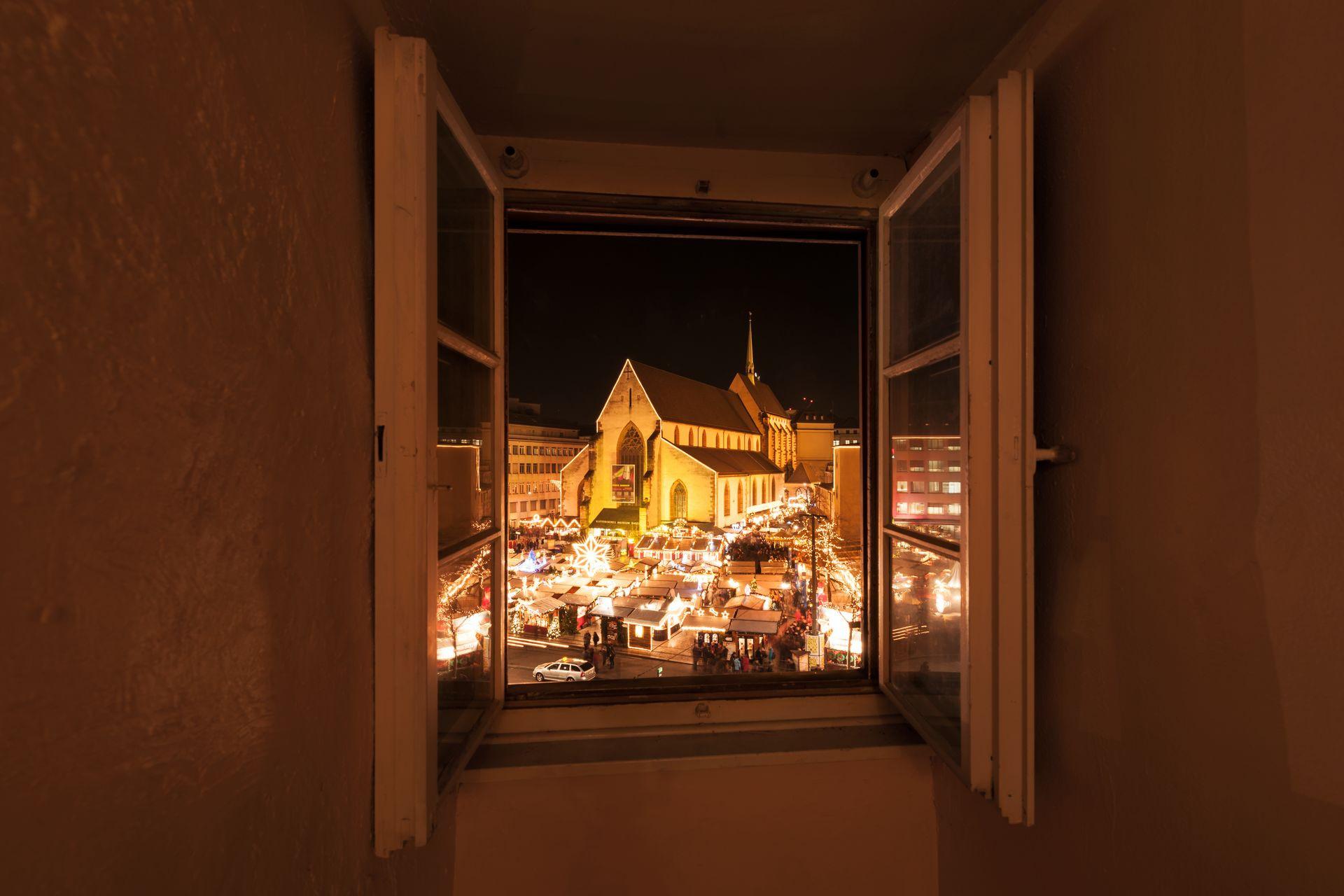 Weihnachtsmarkt Barfüsserplatz Basel