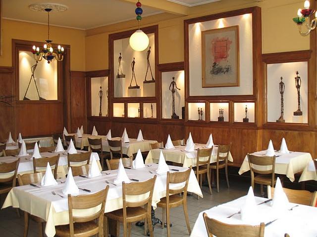 Das italienische Spezialitätenrestaurant Da Gianni. Holzofenpizza, hausgemachte Pasta, frischer Fisch, italienische Spitzenweine.