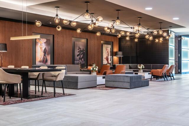 Das renovierte Hotel Radisson Blu - Lobby.