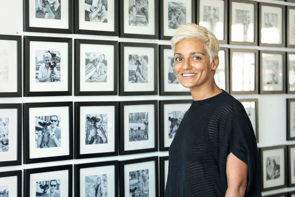 Multimedia-Künstlerin Permi Jhooti in ihrem Atelier in Basel.